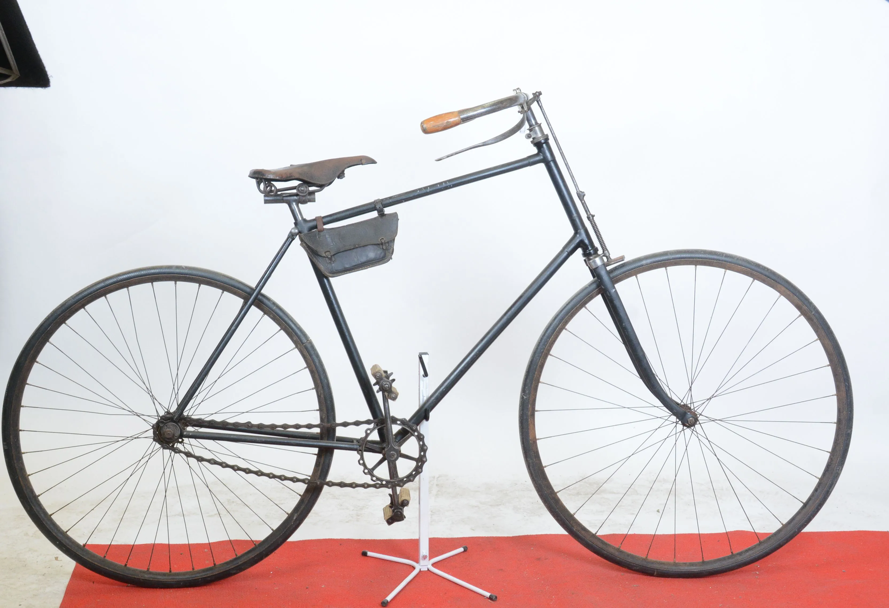 LOT 2 Cycle LA PARISIENNE 1